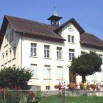 Schulhaus 2001