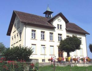 Schulhaus 2002